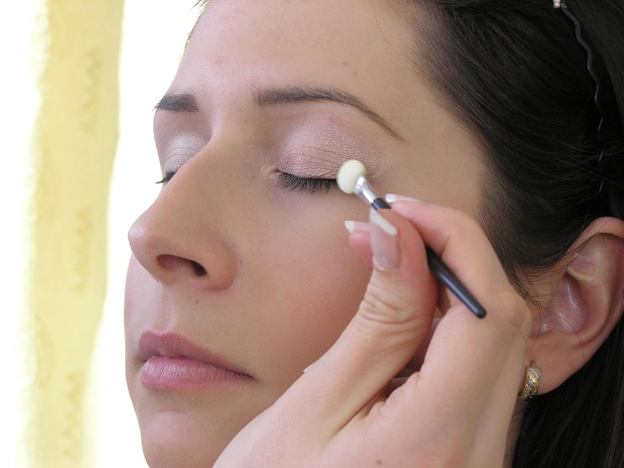 Warto zobaczyć jakie usługi proponuje kosmetyczka